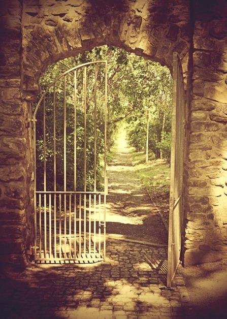 iron-gate-1443804_960_720